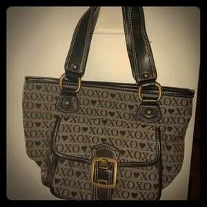 Small XOXO purse for women